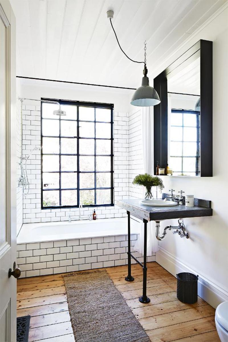 Kali Cavanagh - Vintage House Daylesford Inside Out Image Bathroom