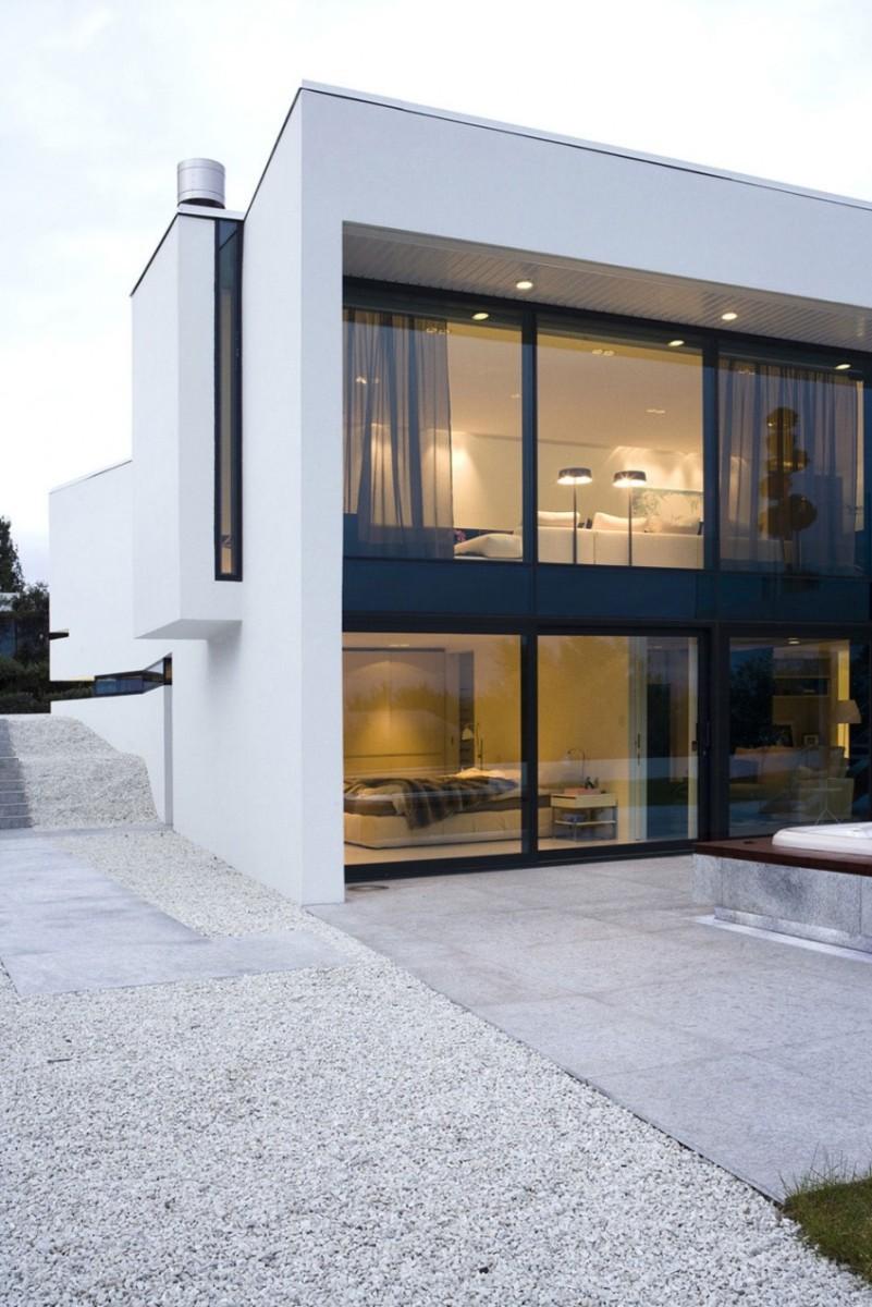 B25-House-07-850x1274