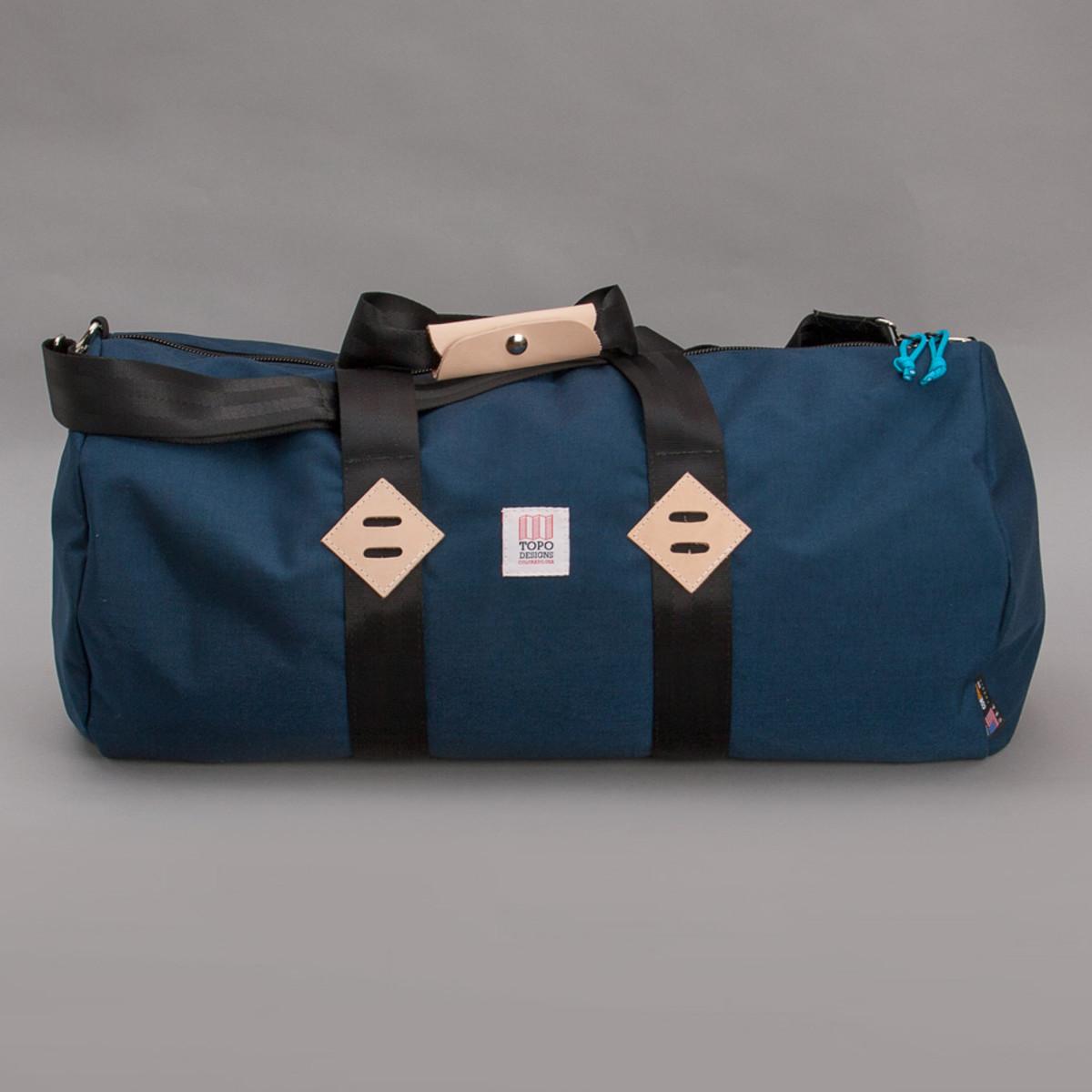topo-designs-duffel-bag-navy