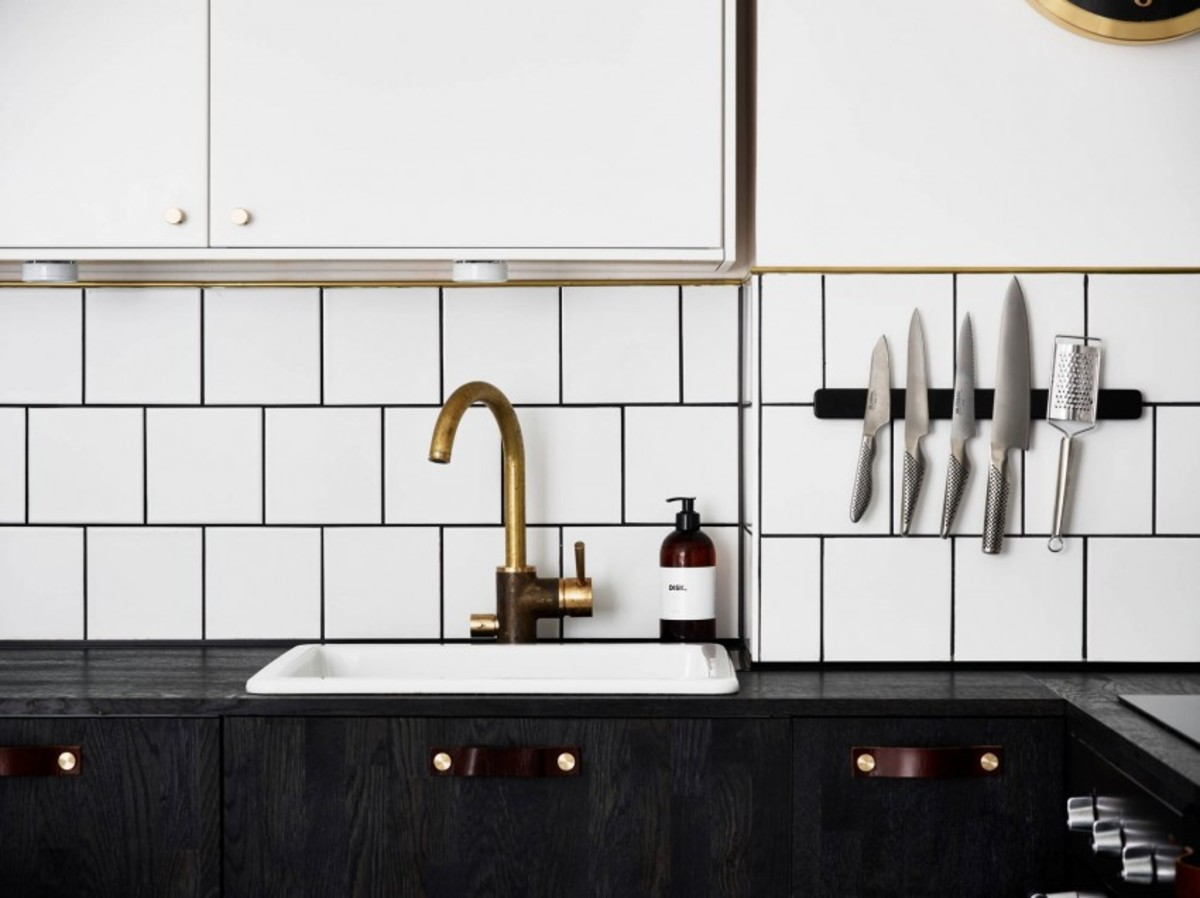Renovated-Apartment-in-Stockholm-05-850x636