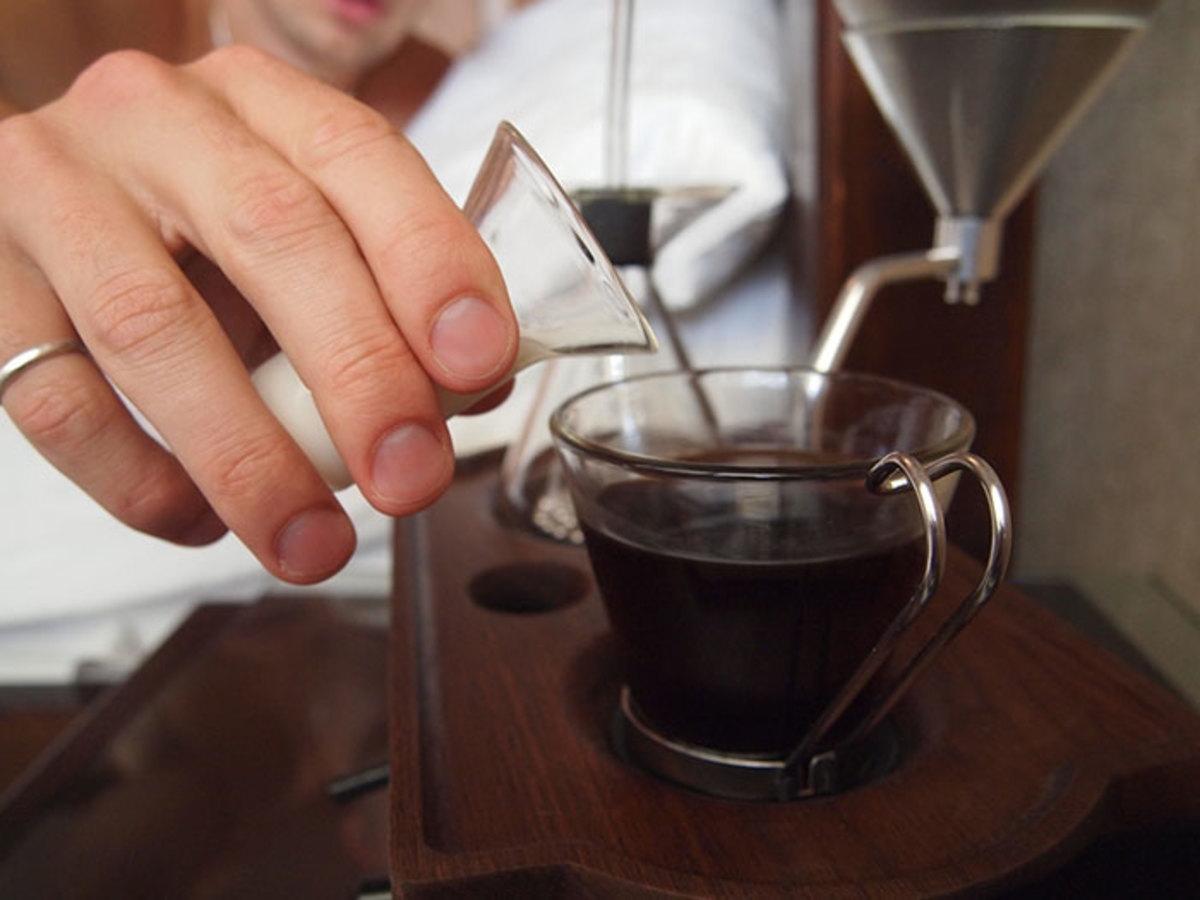 barisieur-coffee-maker-alarm-clock-joshua-renouf-2