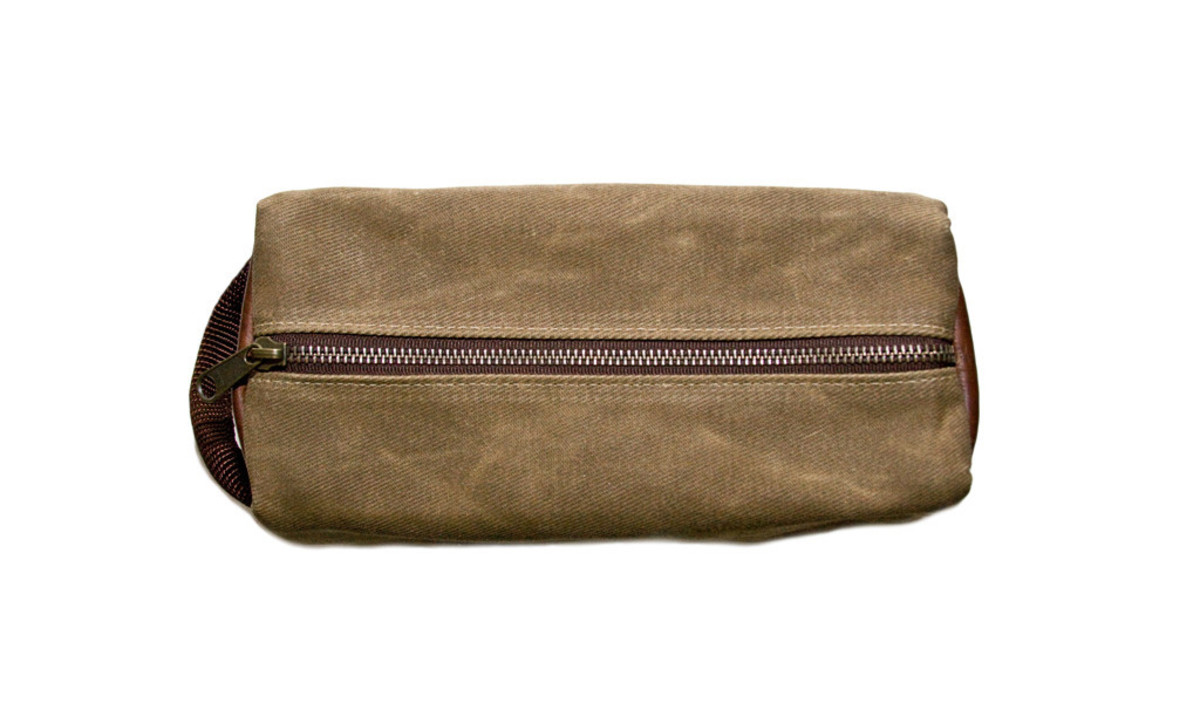 waxed-canvas-dopp-kit-by-ball-and-buck-3