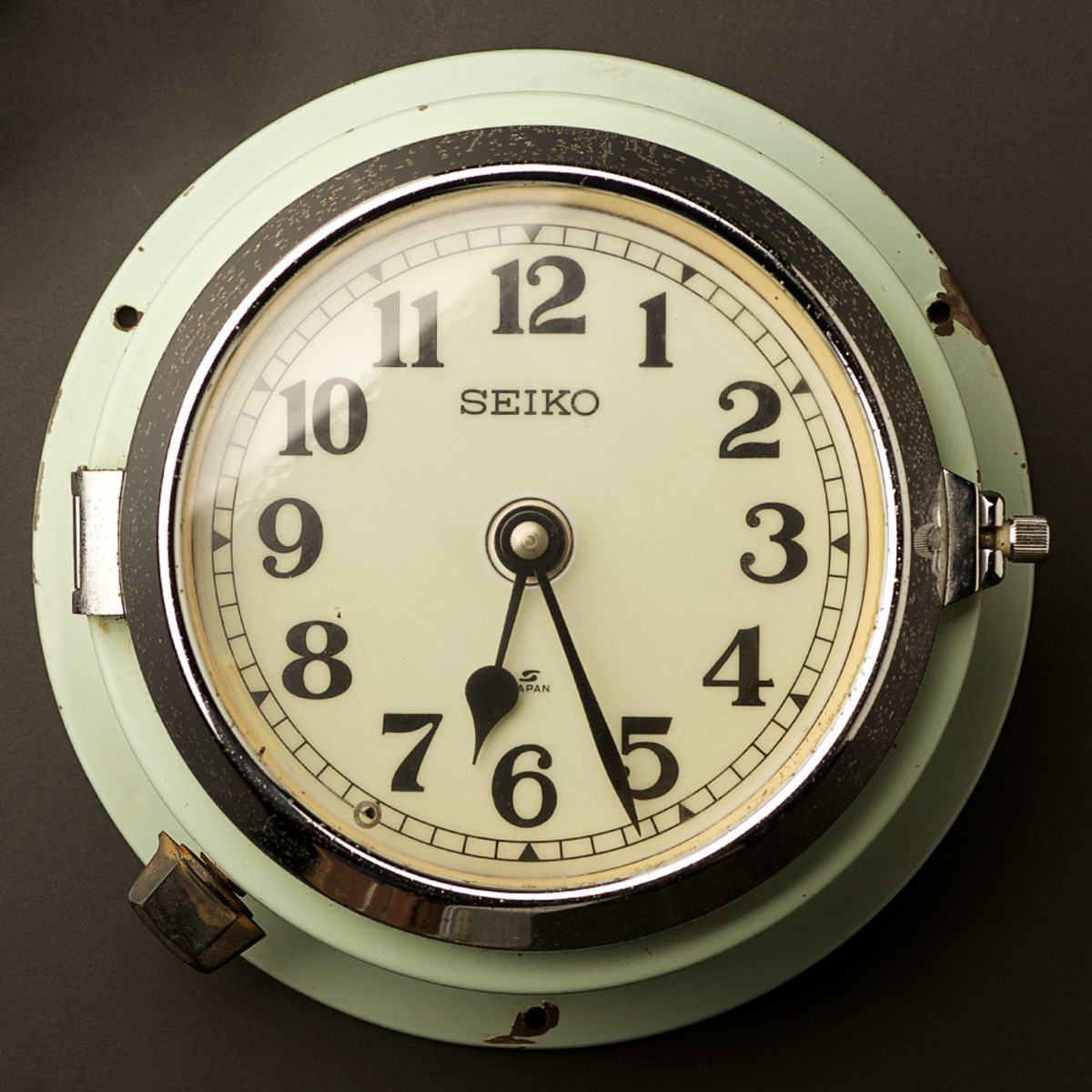 Seiko-slave-clock-blue