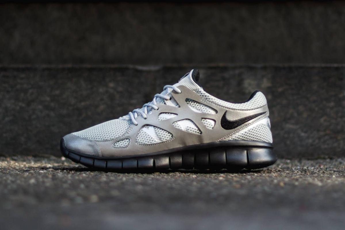 nike-free-run-2-metallic-silver-black-1