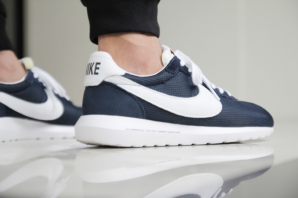 a-closer-look-at-the-fragment-design-x-nike-roshe-ld-1000-sp-dark-navy-7