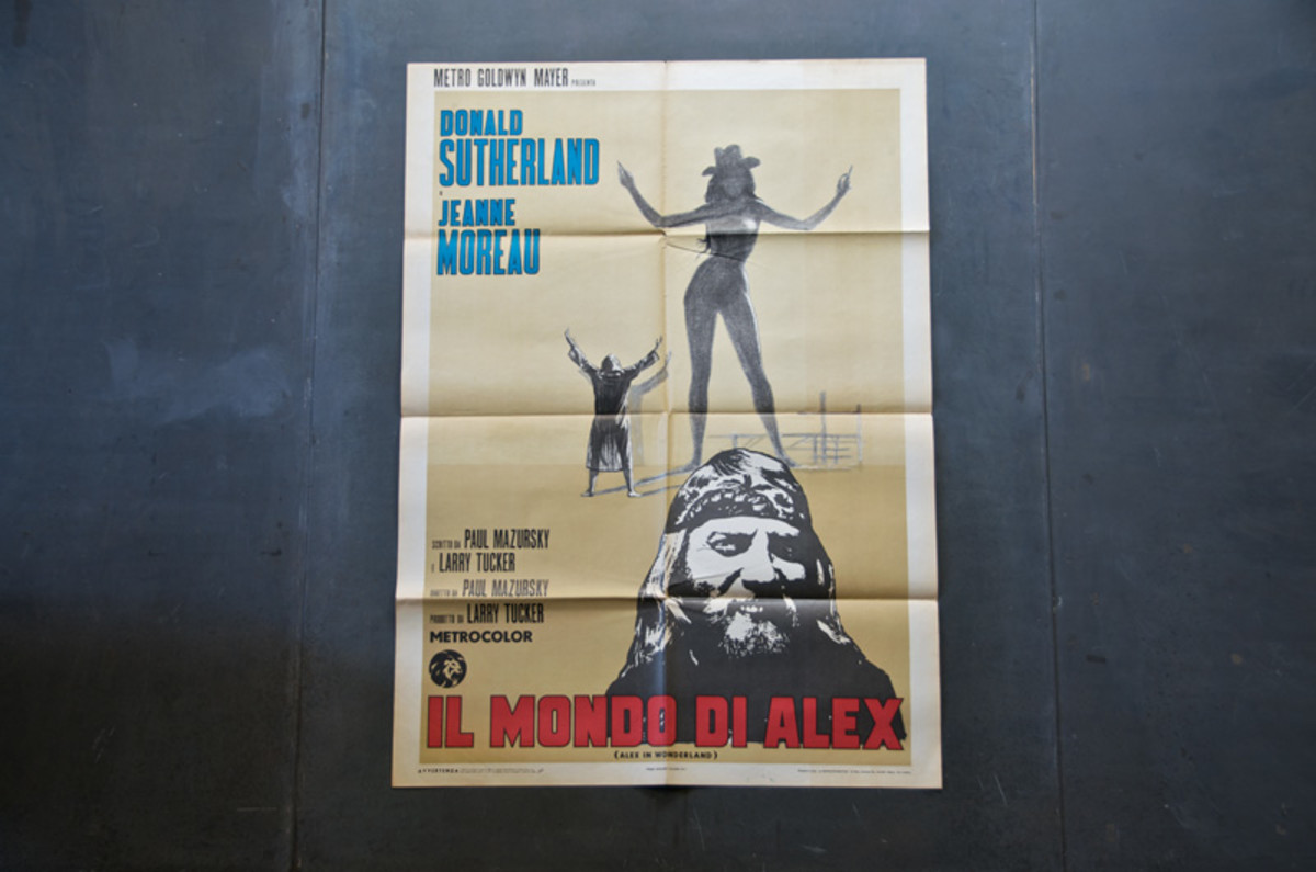 vintage-giant-sutherland-movie-poster