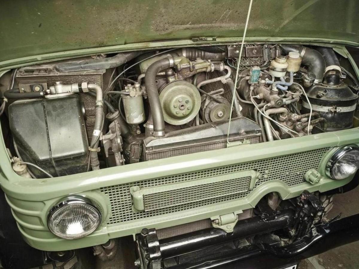 Mercedes-Benz-Unimog-Engine-1480x1108