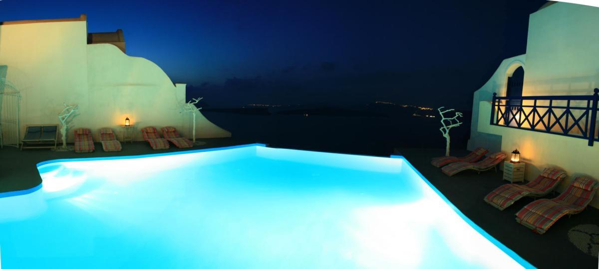 infinity-pool-astarte-suites-hotel-santorini-greece-48977-1900