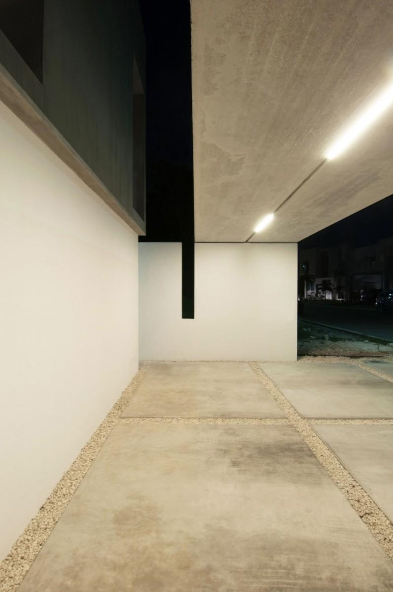 Garcias-House-27-850x1279