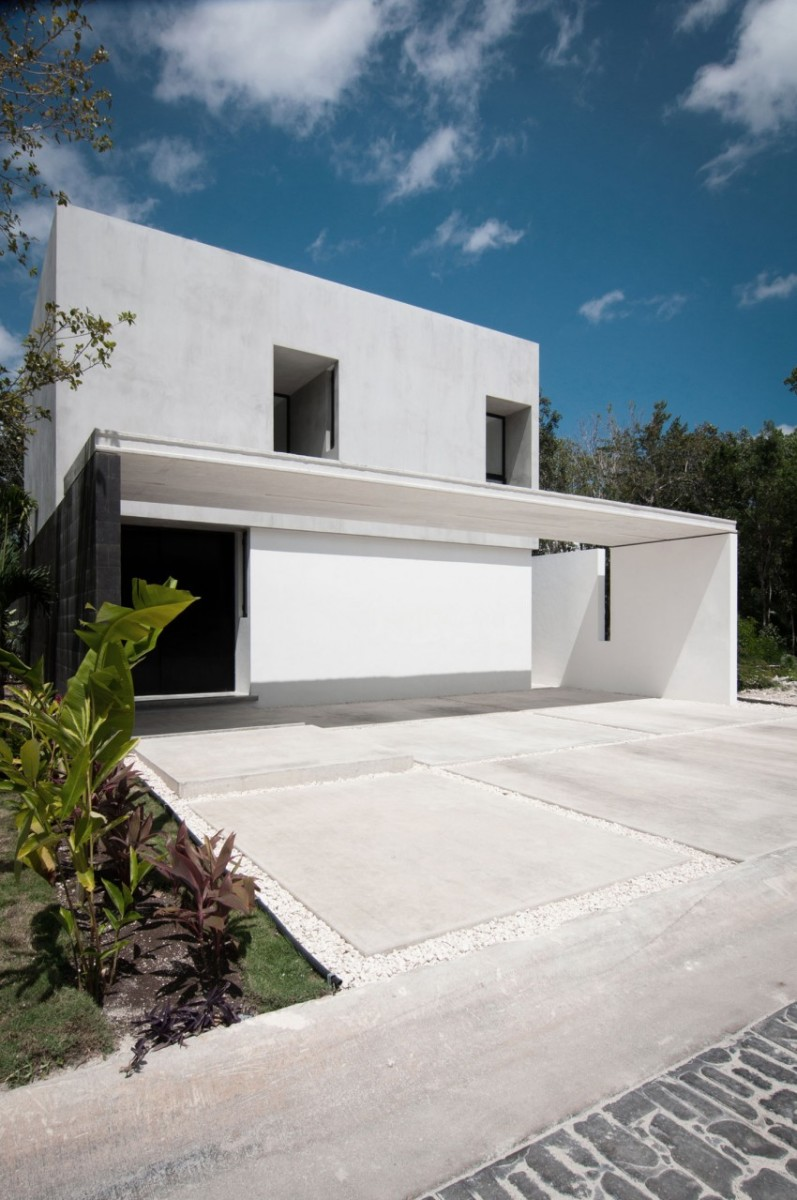 Garcias-House-01-850x1279