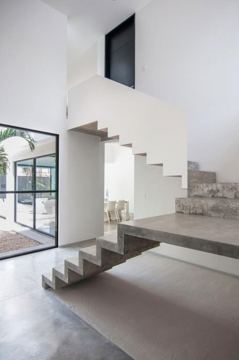 Garcias-House-14-850x1280