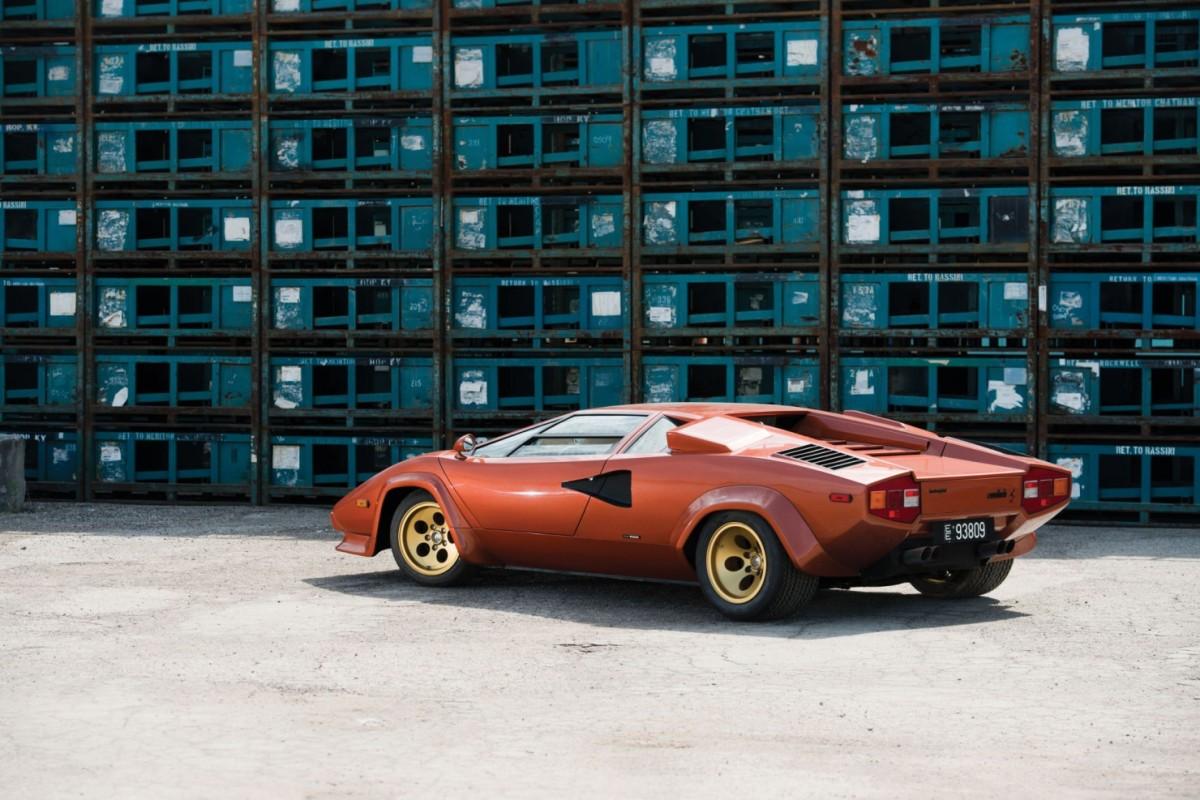Lamborghini_Countach_LP400S_2-1480x987