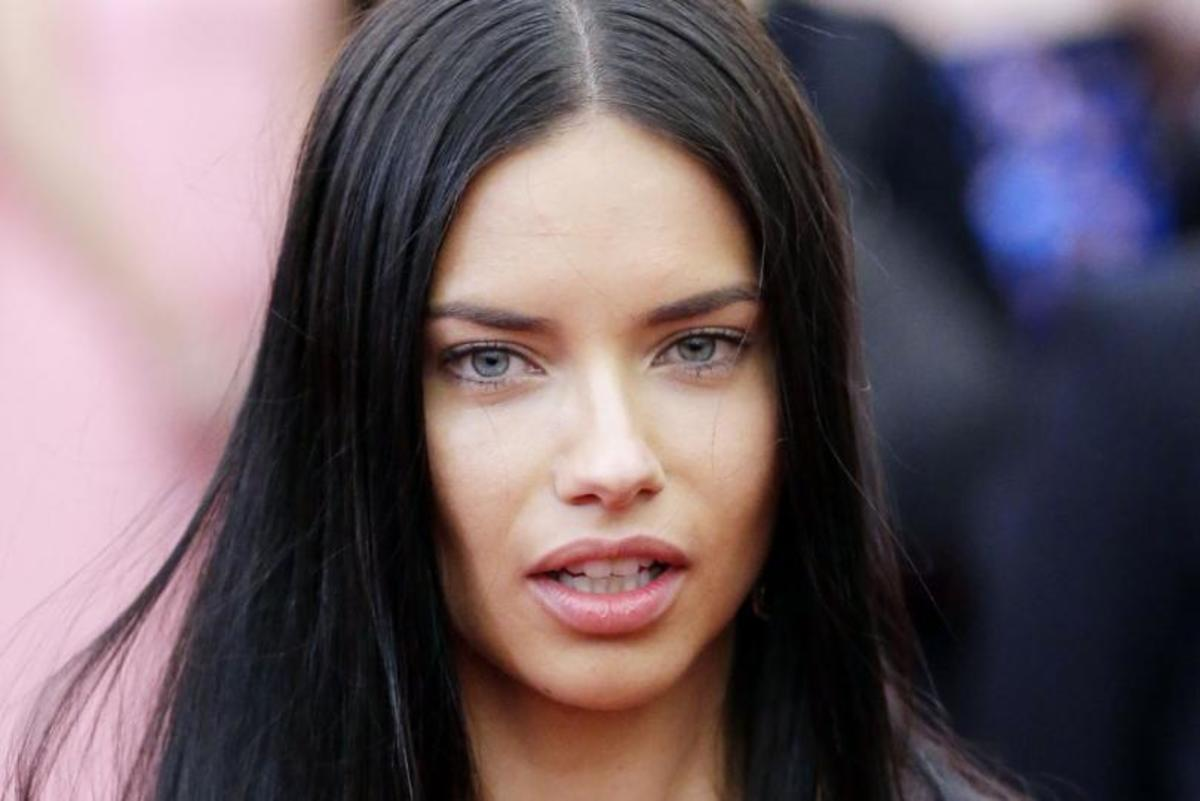 Adriana-Lima-spotted-in-NYC-shoot-days-after-split-from-husband-Marko-Jaric