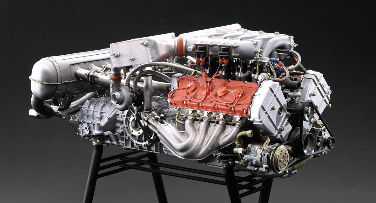 Ferrari-F40-engine