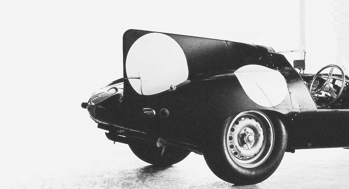 jaguar-d-type-rear