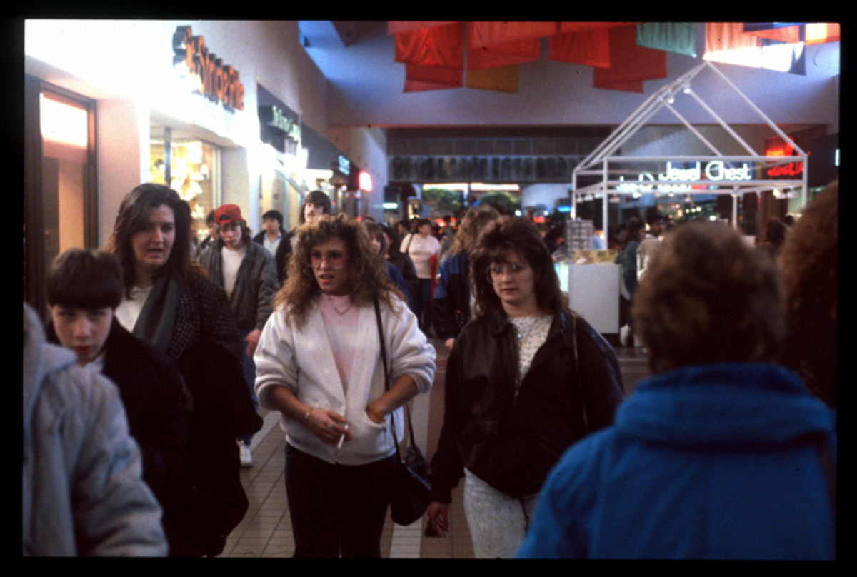 1989-American-Mall-01-930x6262