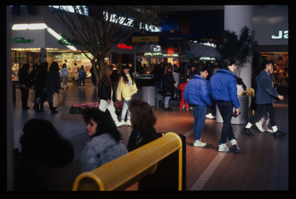 1989-American-Mall-11-930x6251
