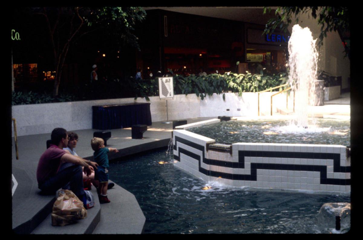 1989-American-Mall-04-930x6152