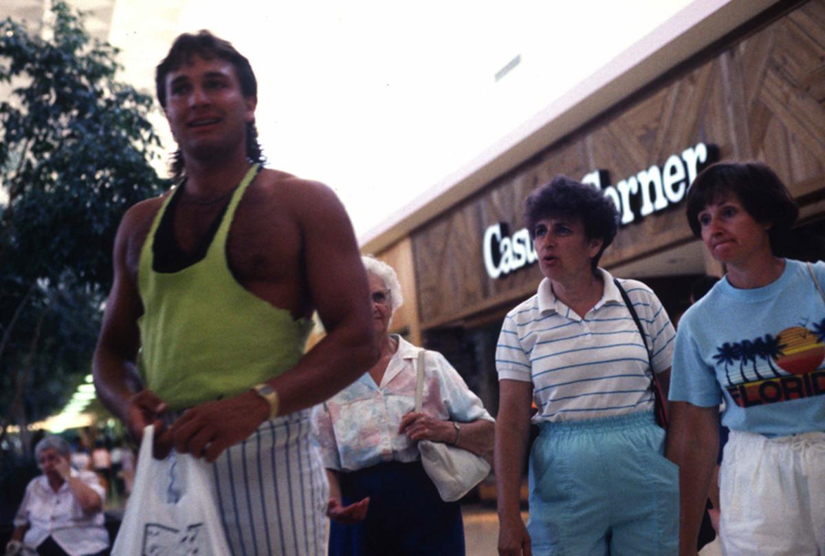 1989-American-Mall-261