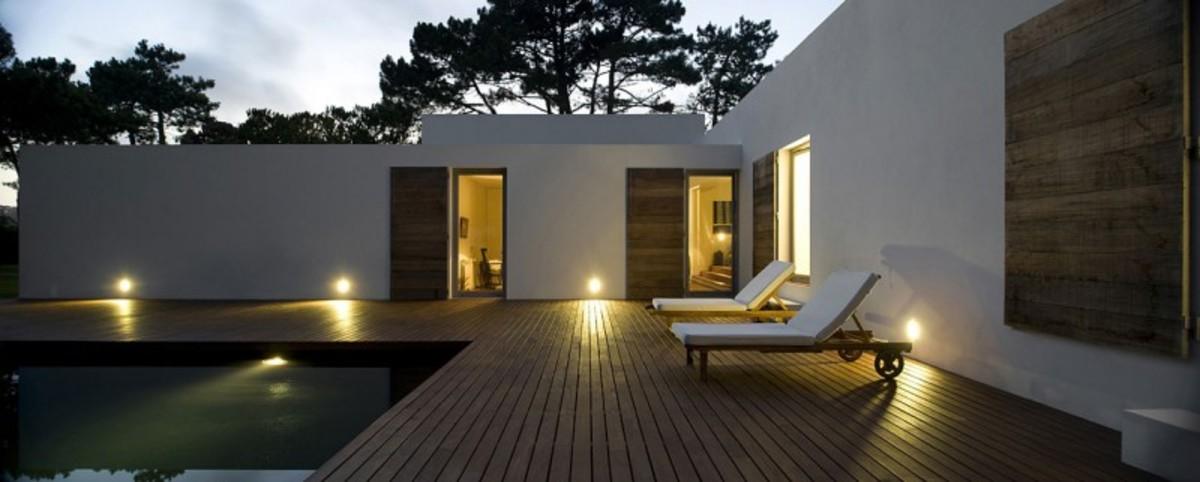 casa-no-banzao-ii-by-frederico-valsassina-arquitectos-22-800x321