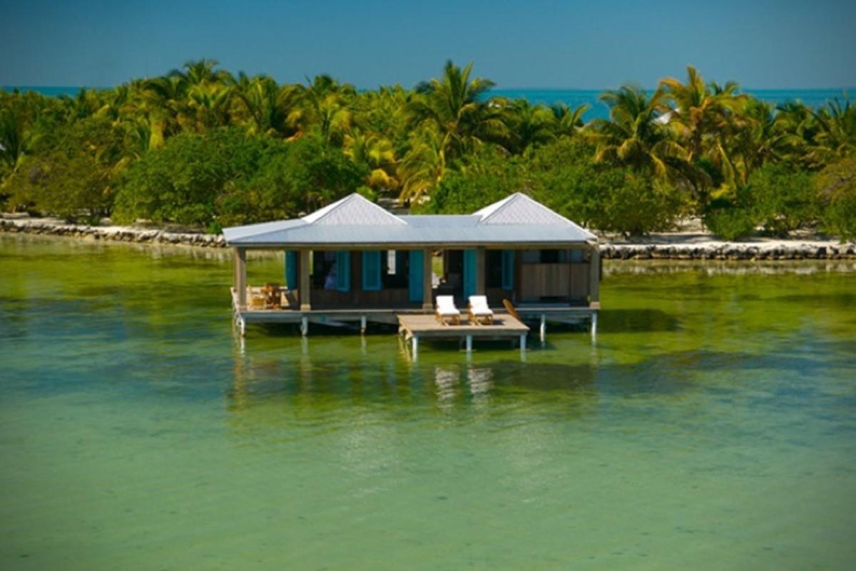 Casa-Ventanas-Over-Water-Bungalow-in-Belize-7