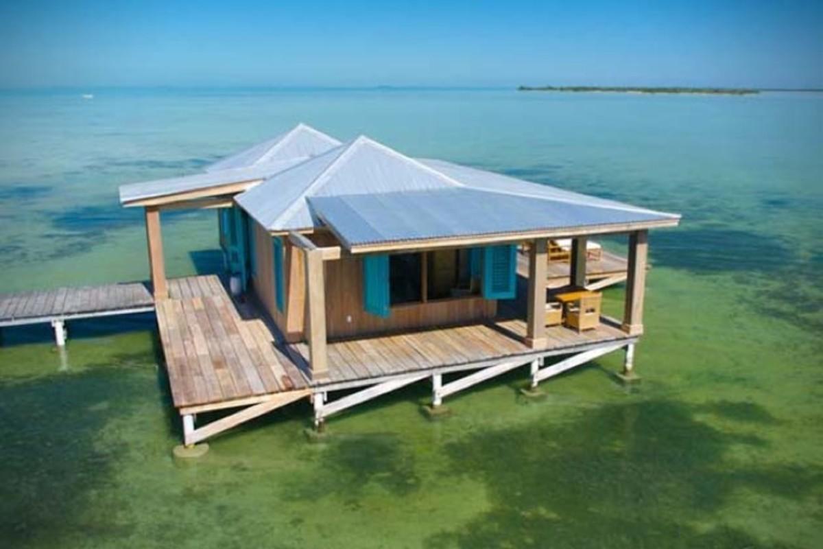 Casa-Ventanas-Over-Water-Bungalow-in-Belize-5