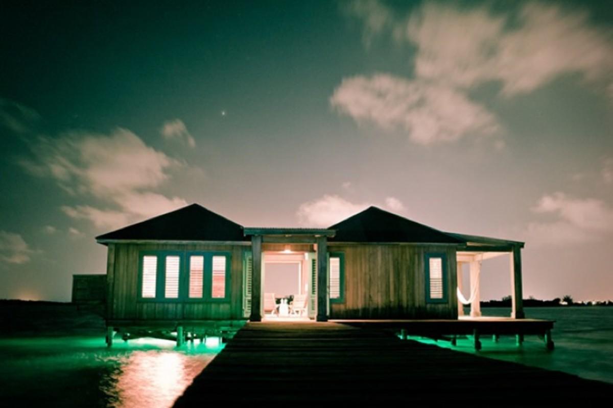 Casa-Ventanas-Over-Water-Bungalow-in-Belize-6