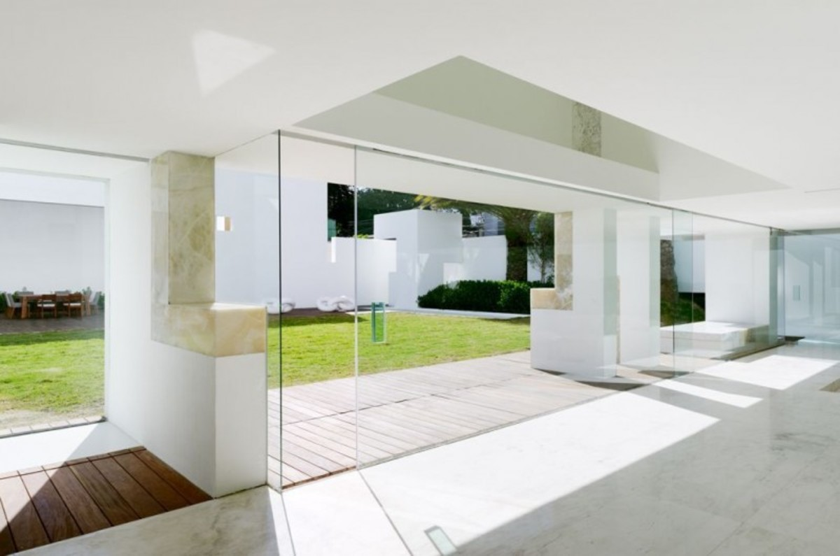Miguel-Angel-Aragonés's-Style-for-a-Mexico-City-Modern-Home-8-800x530