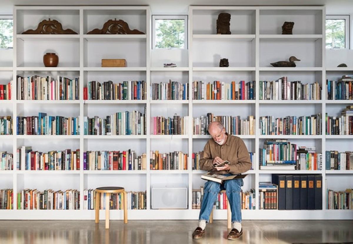 art-life-library-shelves-artek-stool