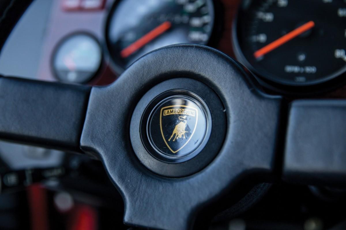 Lamborghini-LM002-10-1480x986