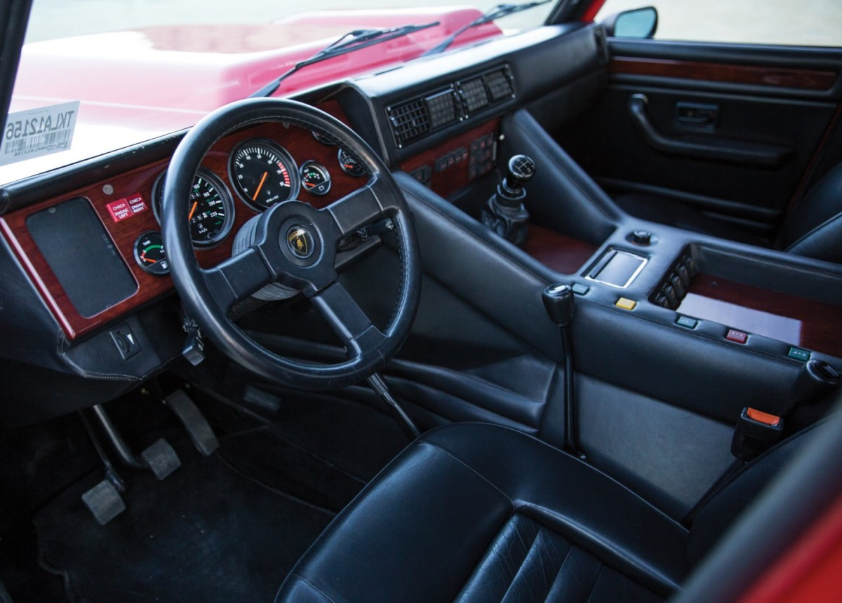 Lamborghini-LM002-3-1480x1061