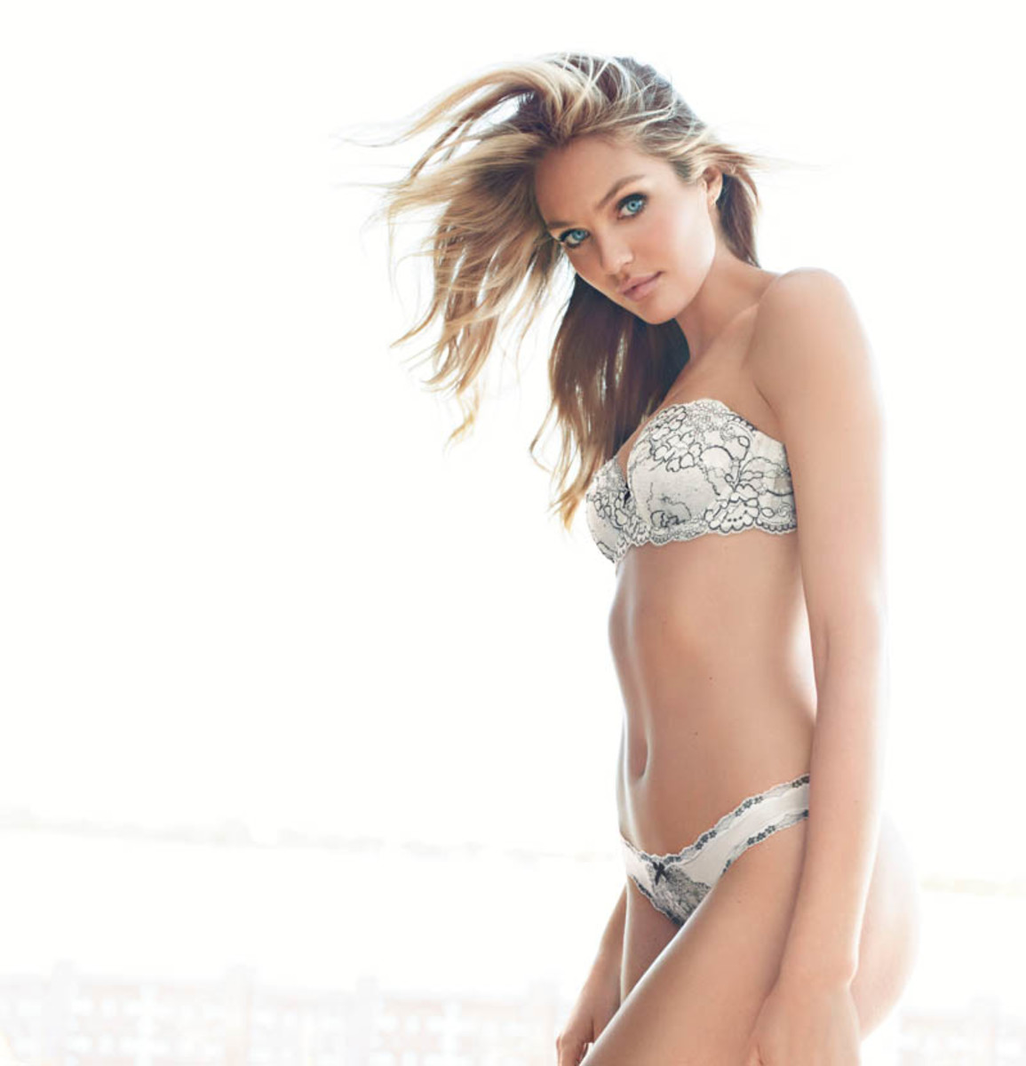 dream-angels-20a13-candice-swanepoel-multi-way-bra-victorias-secret-hi-res