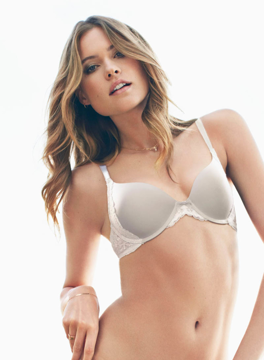dream-angels-2013-baehati-prinsloo-perfect-coverage-bra-victorias-secret-hi-res