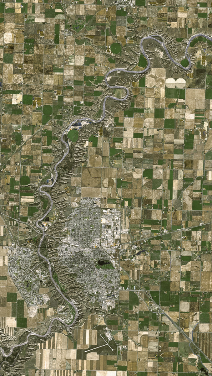 r860_39_satellite_image_spot5_2.5m_alberta_canada_2005