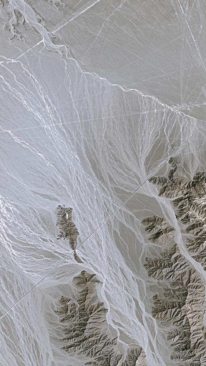 r870_39_satellite_image_spot5_25m_nazca_lines_peru_2002