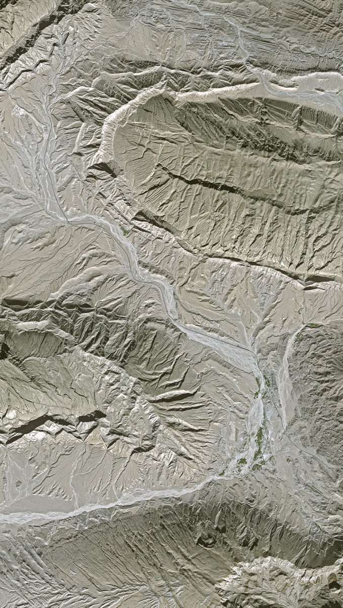 r700_39_satellite_image_spot5_2.5m_zagros_mountains_iran_2002
