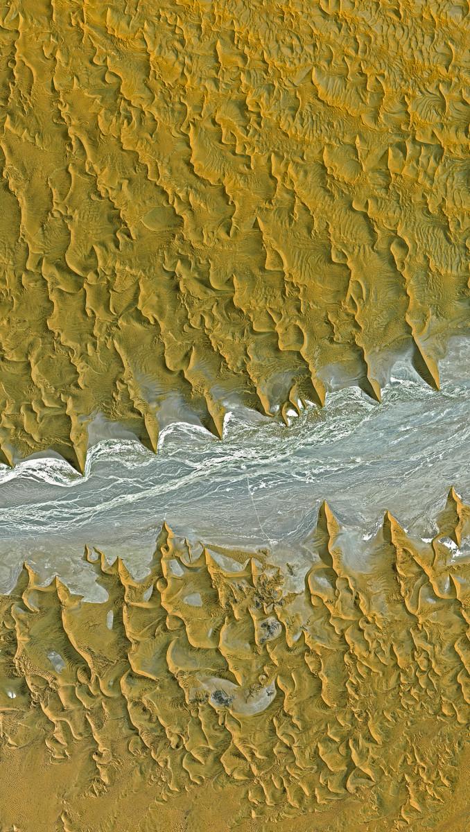 r930_39_satellite_image_spot5_25m_namib_desert_namibia_2006