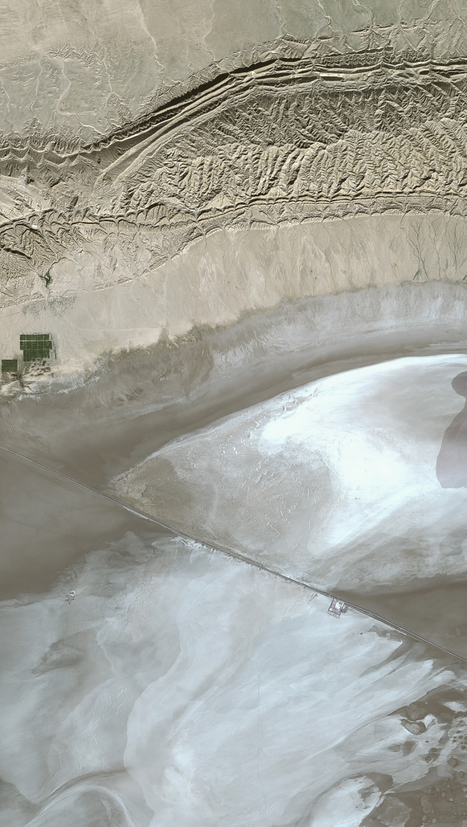 r950_39_satellite_image_spot5_2.5m_chott_el_djerid_tunisia_2005