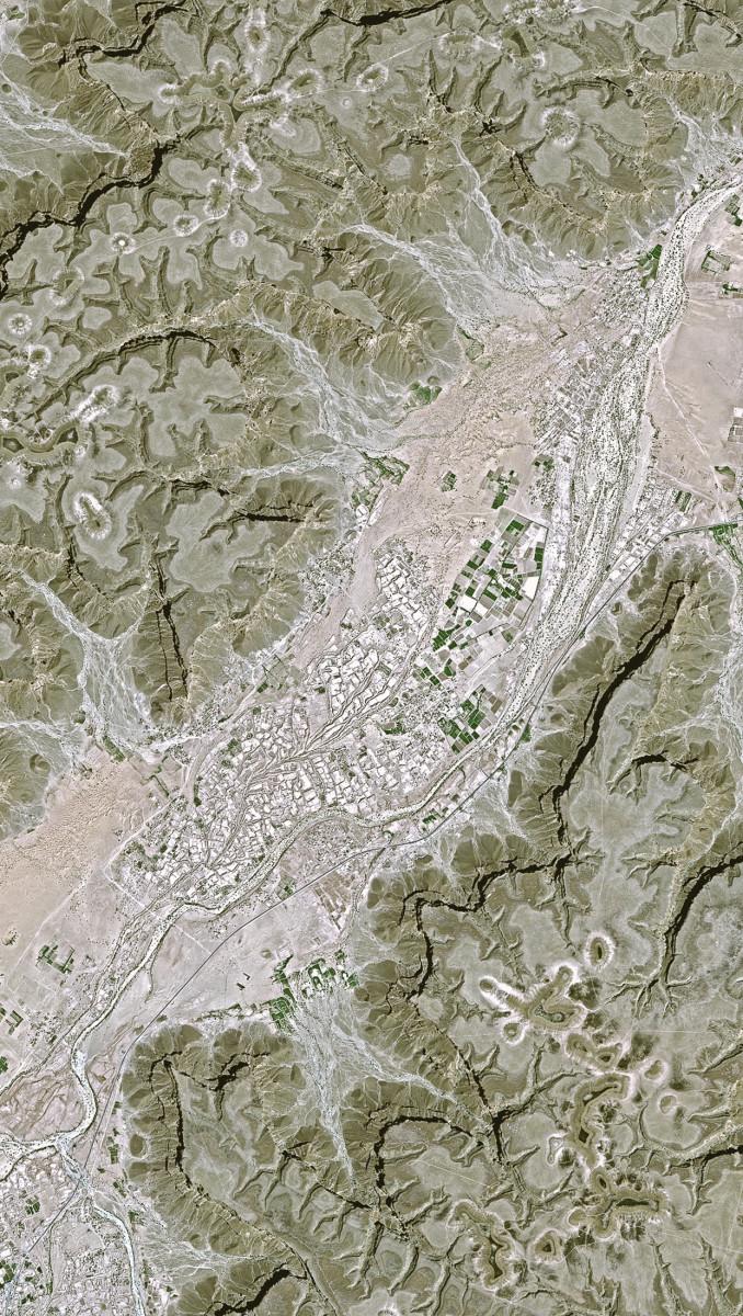 r1045_39_satellite_image_spot5_2.5m_hadhramaut_yemen_2006