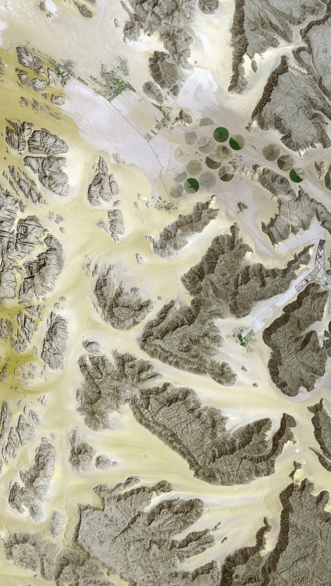 r1400_39_satellite_image_spot5_2.5m_wadi_rum_jordan_2003