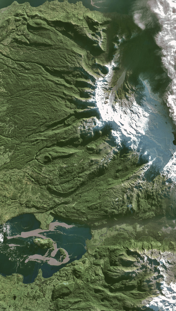 r1660_39_satellite_image_spot4_10m_puyehue_volcano_chile_2011