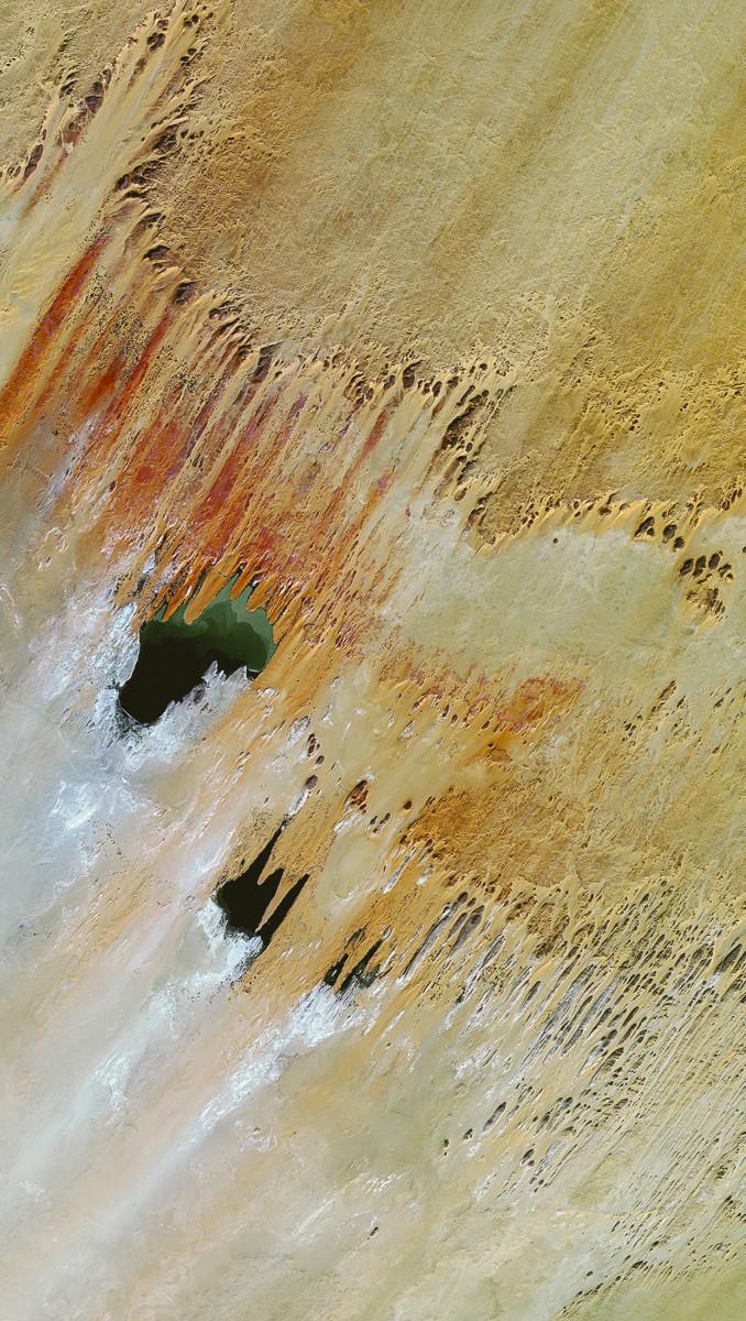 r19961_39_satellite_image_spot6_lakes_ounianga_chad_2013-2-2