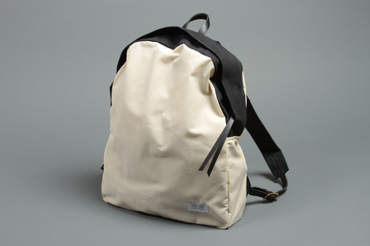 PageImage-487280-4685829-DRAUGHT_SS13_WAXEDBACKPACK13