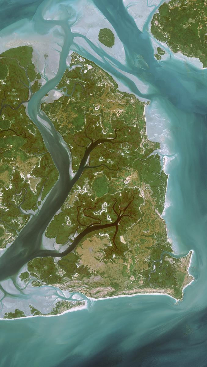 r20048_39_satellite_image_spot6_bissagos_guineabissau_2013-2