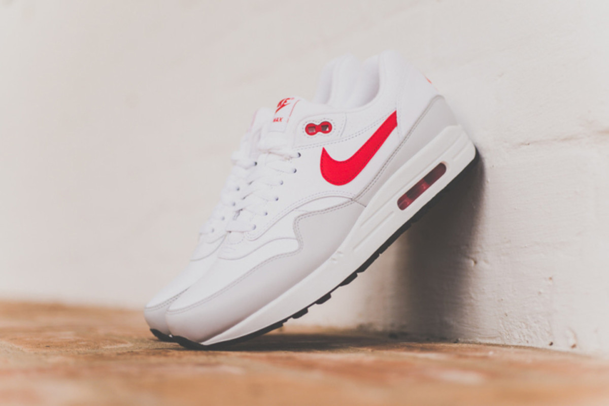 best service 69bc3 397dd nike-air-max-1-leather-white-uni-red-1.jpg
