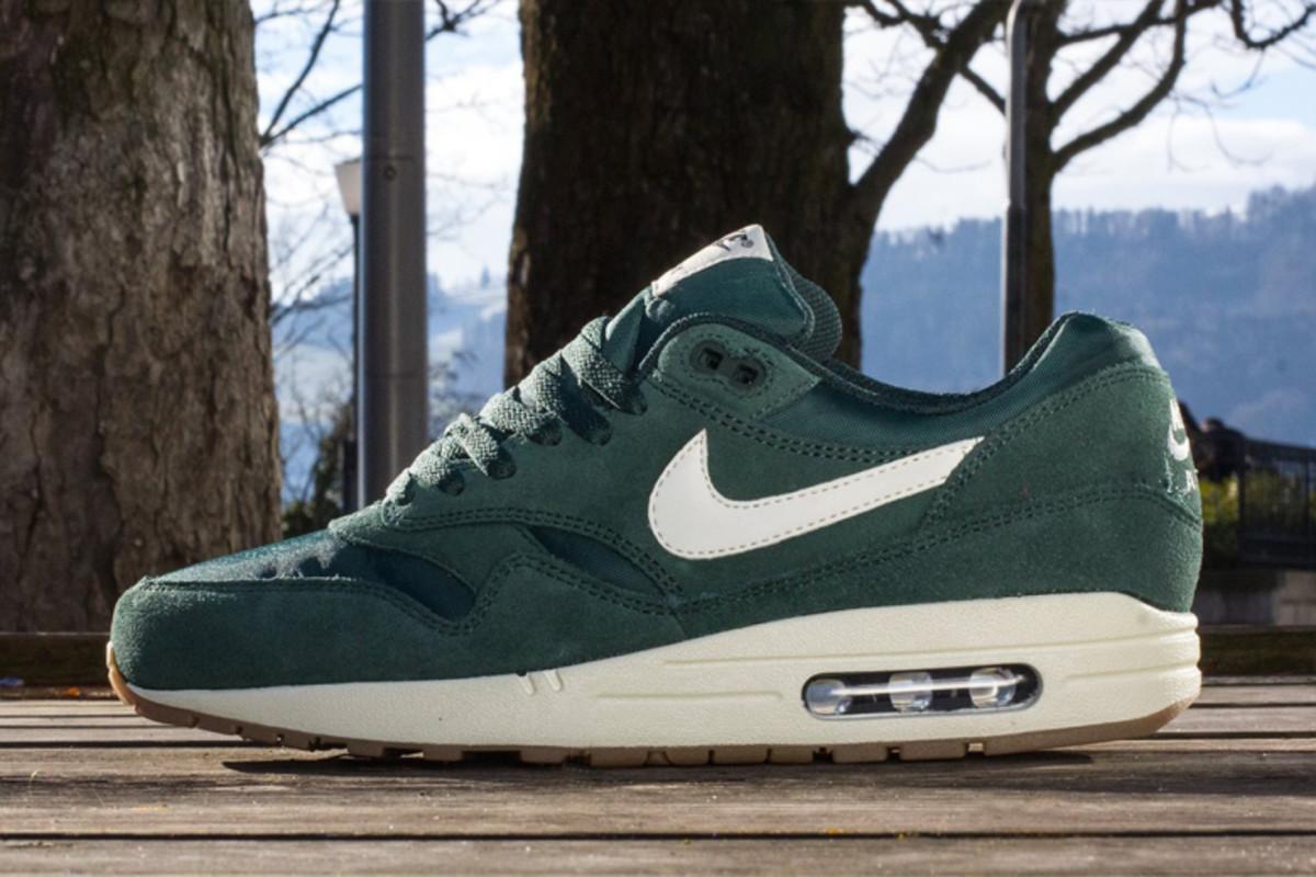 nike-sportswear-air-max-1-essentials-2014-spring-summer-2