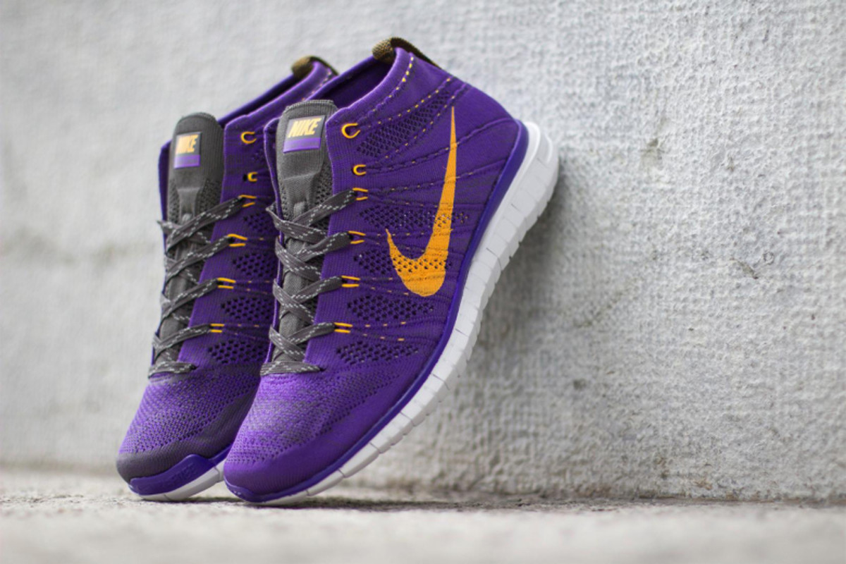 nike-free-flyknit-chukka-hyper-grape-1