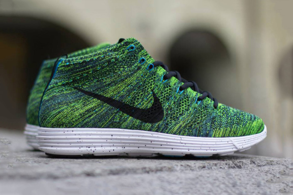 nike-lunar-flyknit-chukka-night-factor-01