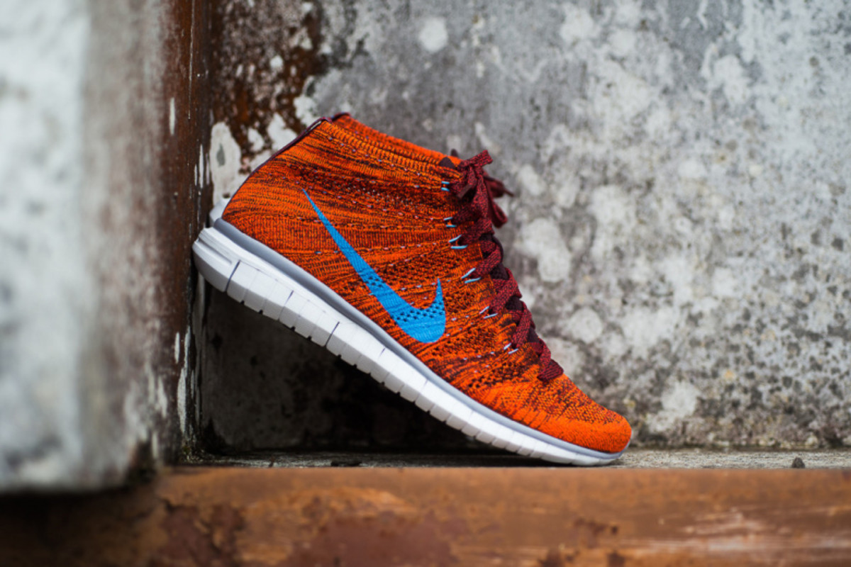 a-closer-look-at-the-nike-free-flyknit-chukka-cinnamon-1