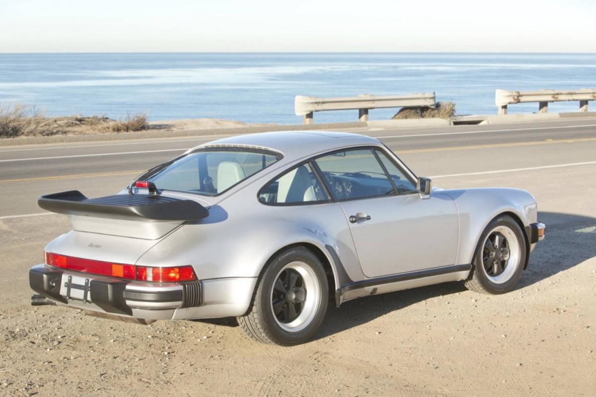 Porsche-911-Turbo-16-1480x987